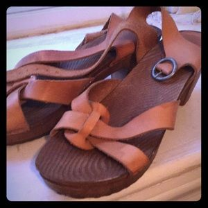 Zara sandals in leather and wood 9.5